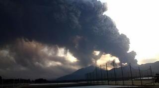 �C新燃岳噴火 小林から.jpg